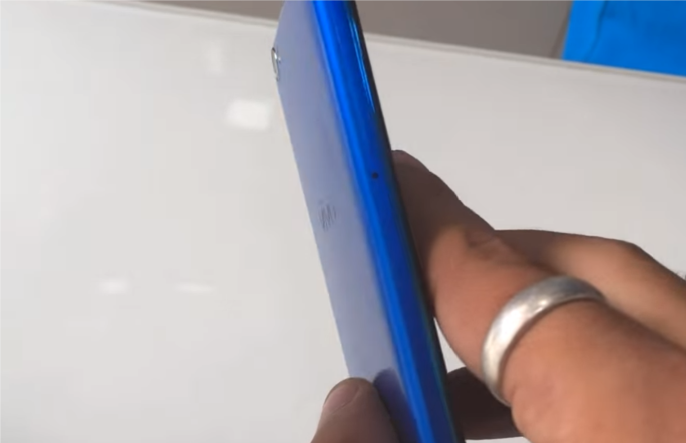 Vivo V7+ gets Energetic Blue paint job in India at Rs. 21990