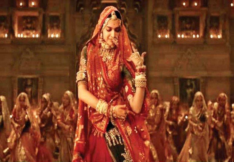 Deepika Padukone Padmaavat Movie First Day Box Office ...